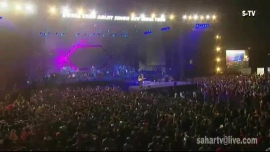 BOLLYWOD  Arijit Singh Live in Concert Tour 2018 Magical Voice....