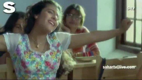 A R Rahman song Aawara Bhawren Jo Hole Hole Gaaye  Kajol, Singer Hema Sardesai, Sapnay