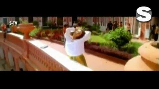 Aisa Kyun Hota Hai Full Video  Ishq Vishk Alka Yagnik Amrita Rao
