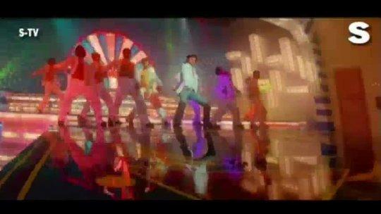 Aisi Umar Mein [Full Song] Deewane Huye Paagal