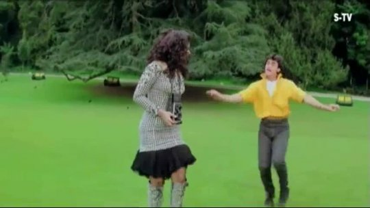 Dil Karta Hai  Andaz Apna Apna Song Aamir Khan, Raveena Tandon Bollywood Movies