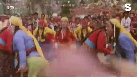 Is Mele Mein Log Aate Hain Full HD Song Sahibaan Rishi Kapoor, Madhuri Dixit