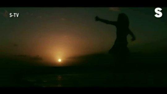 Jiska Mujhe Intejar Hai (Full Song) Film  Jawani Diwani A Youthful Joyride