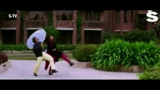 Kisi Disco Mein Jaaye Full Video Bade Miyan Chhote Miyan Govinda Raveena Tandon