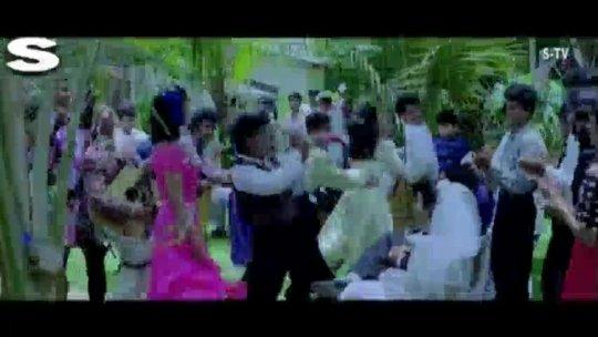 Kyon Na Hum Milke Pyar Full Song Kabhi Haan Kabhi Naa Shah Rukh Khan , Suchitra Krishnamurthy