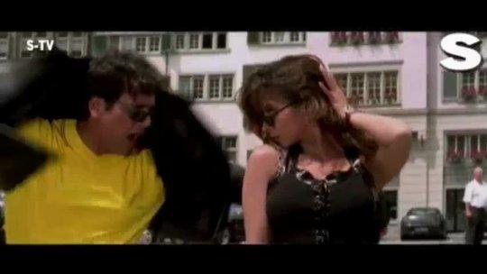 Urmila Re Urmila Video  Kunwara Govinda Urmila Matondkar Sonu Nigam, Alka Yagnik