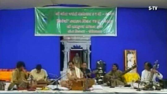 Ghazal Gulam Ali with Morari Bapu live