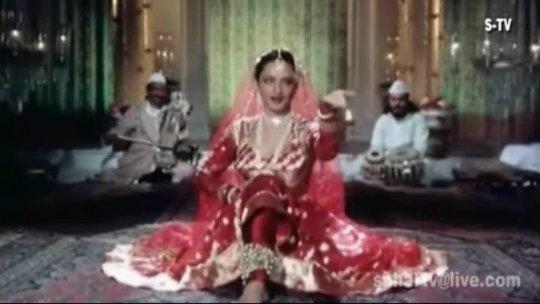 Umrao Jaan (1981)  Dil Cheez Kya Hai  Asha Bhosle [English Subtitles