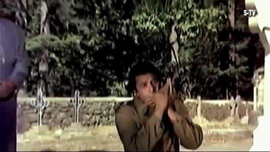 Dost (1974)  Gaadi Bula Rahi Hai