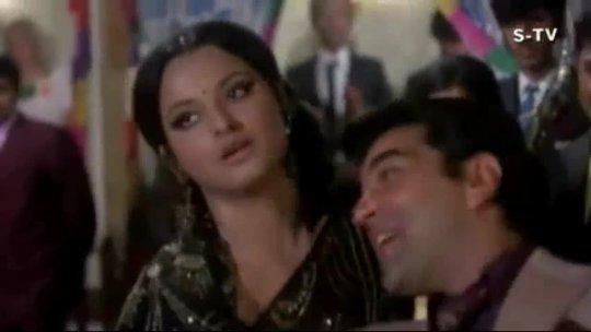 Duniya Mujhse Kahti Hai Ki Peena Full Song Kahani Kismat Ki Rekha, Dharmendra HD
