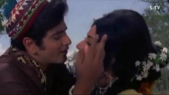 Gulabi Gulabi Aankhon Se Jeetendra  Babita  Banphool  Mohd. Rafi Romantic Song