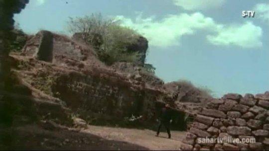 Mai Ek Paheli Hu, Barso Se Akeli Hu  Ek Paheli Suman Kalyanpur Sanjeev Kumar Tanuja