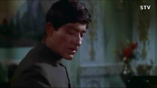 Jo Gujar Rahi Hai  Jeetendra  Raj Kumar  Mere Huzoor  Shankar Jaikishan  Hindi Song