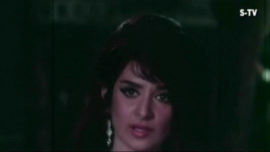 Mere Tumhare Beech Mein  Rajendra Kumar  Saira Banu  Jhuk Gaya Aasman Songs  Lata Mangeshkar