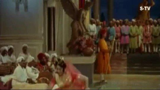Kaise Samjhaoon Badi Nasamajh Ho  Vyjayanthimala Classic Dance Song  Suraj  Rajendra Kumar