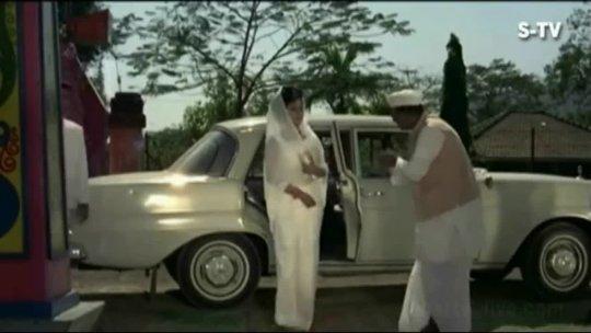 Kisi meherbaan Ki Nazar  Shashi Kapoor  Nanda  Raja Saab  Hindi Song
