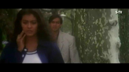Pyaar To Hona Hi Tha  Jab Kisiki Taraf Dil Video Kajol, Ajay