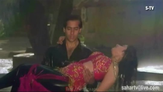 Sangdil Sanam Dharti Bane Manisha Koirala Salman Khan S.P.Bala Kavita Krishnamurthy