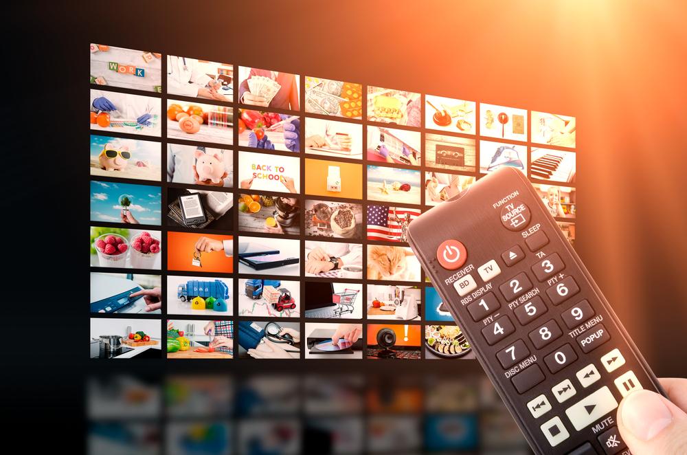 Бесплатное ТВ Смотрите прямые телетрансляции на Plex